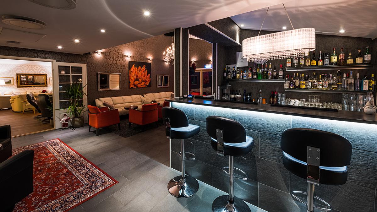 Arctic Panorama Lodge bar and hotel lounge